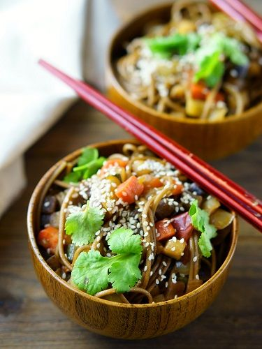 Vegetarian Chinese Noodles in the Bowl