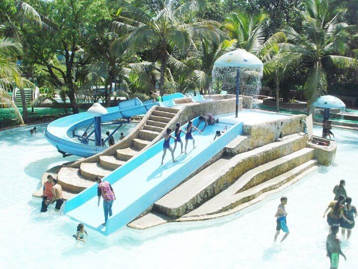 Splash The Fun World Water park in Ahmedabad